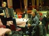 """Boeuf impro avec """"Les chansons à bretelles"""" au festival de l'accordéon de Saint Quentin la Poterie 2012"""