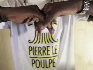 Didier Drogba présente Pierre le poulpe !