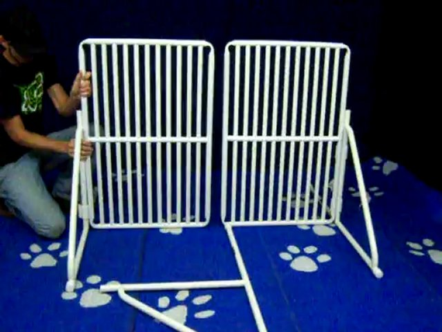 Freestanding Tall Pet Gate assembly video – by Roverpet