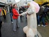 ZAPPING ACTU DU 31/05/2012 - Quand Ségolène Royal croise un pénis géant !