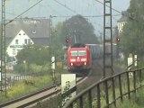 Züge bei Kamp-Bornhofen, 701, 152, Crossrail 185, DBAG 185, Railion 185, 427, 2x 428, 2x 143