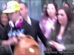 Justin Bieber ACCUSED of BATTERY