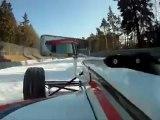 Formula Race Car en NÜRBURGRING nevado