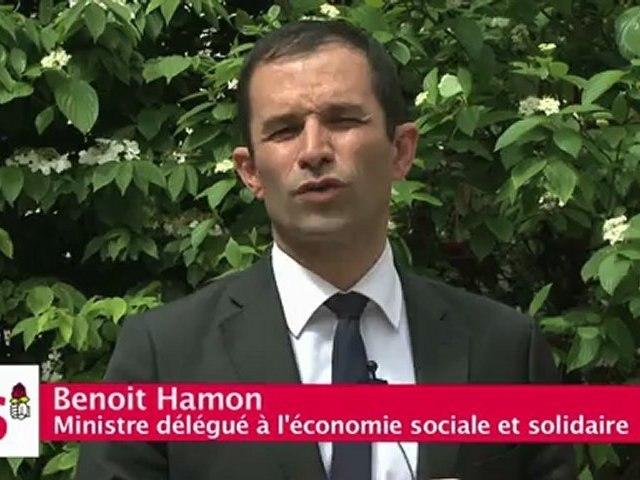 Benoit Hamon Ministre délégué à l'économie sociale et solidaire, soutient Yacine Djaziri