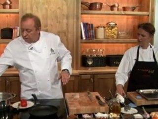 Alfons Schuhbeck macht Zanderfilet auf Tomaten mit Buttermilchschaum auf www.321kochen.tv