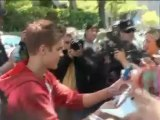 Justin Bieber vuelve locas a las fans en Madrid