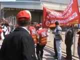 B>orusan Lojistik Direnişçi İşçiler Halay çekiyor