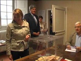 Sylvie Tolmont vote à Fay