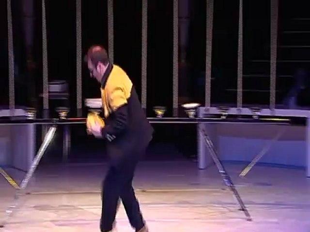 Plate Spinning Act Cirque d'hiver Bouglione Paris 2012 Patrick Sebastien Le plus grand cabaret du monde