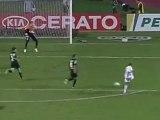 Lucas fait encore des misères aux défenses brésiliennes