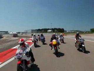 Coupes Moto Légende 2012 - Les 13 champions du monde entrent en piste 2/2