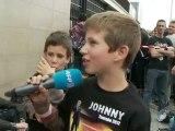 Johnny Hallyday souffle ses 69 bougies devant ses fans
