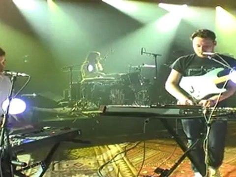 Metronomy - She Wants (live)