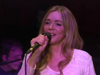 Hélène aux Folie's Pigalle - concert inédit - 11 février 2012 - IDF1