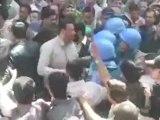 Manifestations à Douma et tirs à Hama