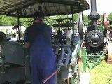 Lanz Standlokomobil treibt Maschine zur Herstellung von Holzschuhen an Teil 02 von 02