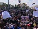ثوار ليبيا يحكمون السيطرة على مدينة الزاوية قرب طرابلس
