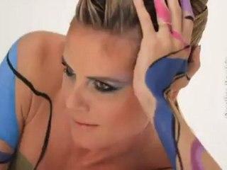 Heidi Klum zieht sich aus