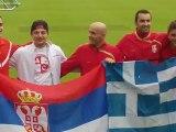 Σέρβοι φίλαθλοι του Ερυθρού Αστέρα στο Άχενκιρχ (1)