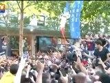 Foot : bain de foule pour Ibrahimovic, nouvelle star du PSG