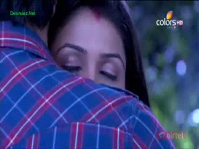 Kunal and Sidhi hug