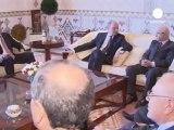 Algeria, visita del ministro degli esteri francese