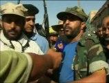تواصل المعارك بين الثوار وكتائب القذافي