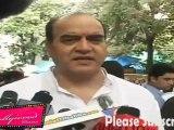 Surendra Pal at Dara Singh Funral