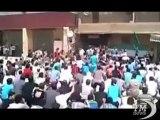 Siria, migliaia in piazza nella città assediata - VideoDoc  Immagini amatoriali dalla città nel mirino dellesercito