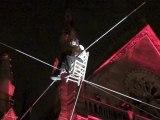 Scénes de rues Davasi ..Funambule .... c'est ça un été en fil rouge à Mulhouse
