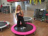 Monya fitness esercizio afforzare i glutei sul trampolino elastico palestra ALBESE FITNESS CENTER