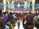 2012 06 Ouganda Dimanche midi  Un moment tres fort