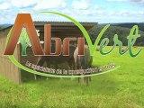 Abrivert, spécialiste des abris bois pour chevaux et des aménagements bois pour collectivités