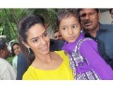 Bollywood News - Mallika Sherawat Celebrates Raksha Bandhan With Cancer Patients