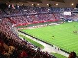 PSG 2-2 Lorient Zlatan Ibrahimovic met l'ambiance dans les tribunes du Parc des Princes Ligue 1