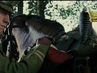 Cheval de Guerre - Extrait - Prêts à charger VF