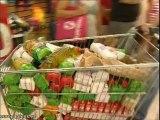 """Acto de """"expropiación de alimentos"""" en el Carrefour de Mérida"""