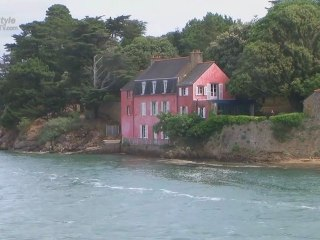 "Explore France in the ""Golfe du Morbihan"""