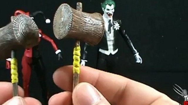 Toy Spot - Mattel DC Universe Classics Mad Love Harley Quinn and The Joker