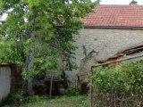 Chagny  petite maison à rénover dépendances terrain Maiso