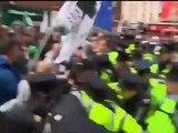 Duros enfrentamientos entre manifestantes y policía en Dublin
