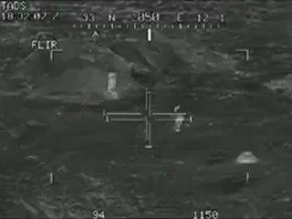 Deux helicopteres Apache aneantissent une section de talibans