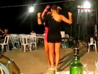 Yunan kızları döktürdü!