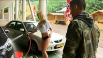 Insolite : Un lavage de voiture sexy pour récompenser l'homme du match !