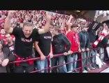 Ambiance au sein de la tribune des supporters durant le match Mons-Standard