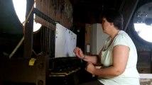 Marie-Madeleine Crickboom joue la musique pour carillon, sirène et djembés au carillon de Verviers 1