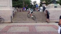 Peter Sagan monte les marches d'escalier