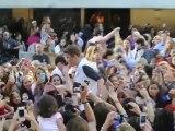 Justin Bieber met des photos torse-nu sur Twitter après avoir vomi sur scène