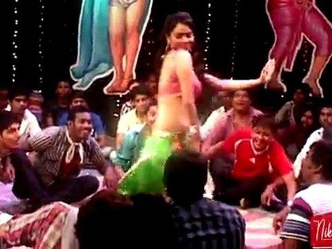 Nikita Rawal's Item Songs Onlocation Shoot - 'Surmayi Akhiyon Ka Jaadu'