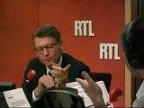 """Rythmes scolaires, zonage des vacances, devoirs : Vincent Peillon face aux auditeurs dans """"RTL&Vous"""""""